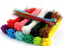 $0.99/ €0.85 postage shipped for 100PCs Self-locking Nylon Cable Ties 2.5 x 200mm from Zapals