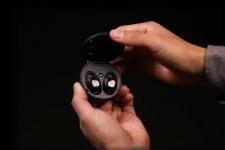 ARIA Waterproof Earbuds: kinerja solid di atas dan ... di bawah air