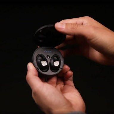Αδιάβροχα ακουστικά ARIA: ισχυρή απόδοση πάνω και κάτω από το νερό