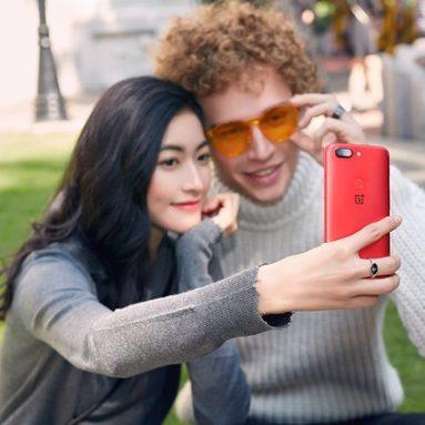 OnePlus 5T Lava Red Promo Fotos