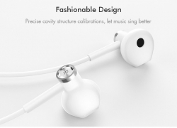 €13 with coupon for Xiaomi Type-C Earphone Dynamic Driver+Ceramics Driver In-ear Wired Headphone with Mic from BANGGOOD