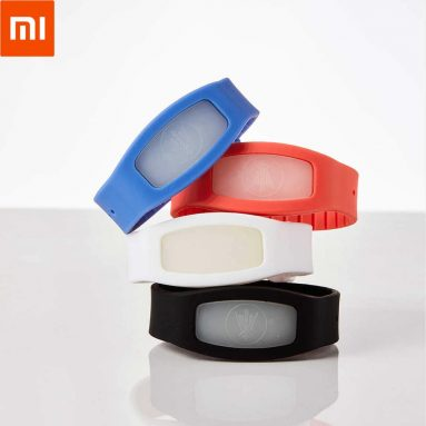 €7 with coupon for XIAOMI Cokit Waterproof Anti Mosquito Repellent Bracelet from BANGGOOD