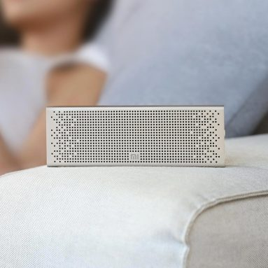 €28 with coupon for Xiaomi Bluetooth 5.0 Speaker Mini Wireless Metal Stereo Portable Hands-free Little Love Version from BANGGOOD
